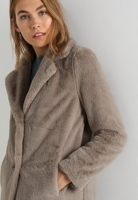 Oakwood - CYBER - Winter coat - dark beige