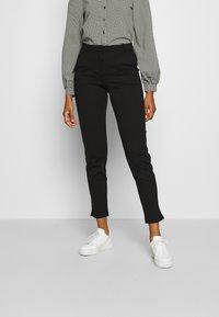 Vero Moda - VMLILITH MR ANKLE PANT - Trousers - black - 0