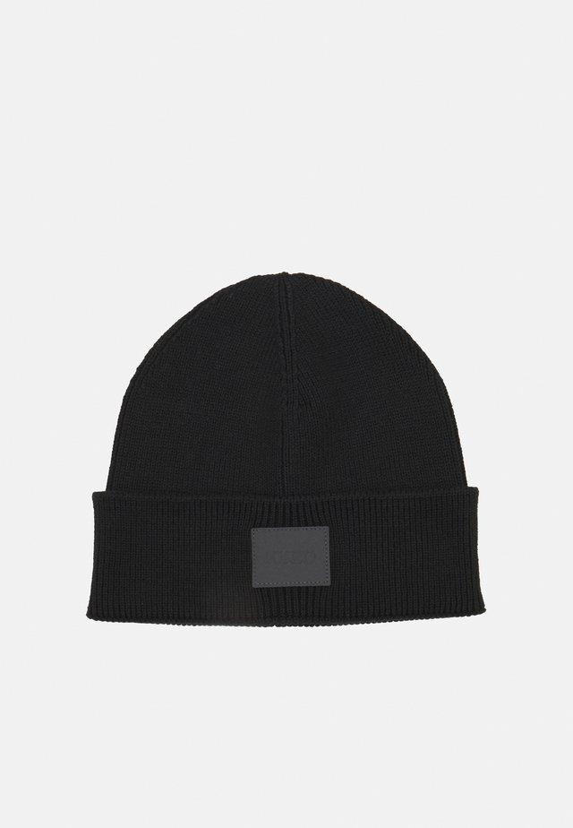 XEVO - Bonnet - black