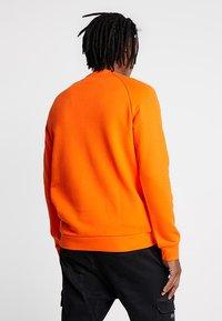adidas Originals - TREFOIL CREW UNISEX - Sweatshirt - orange - 2