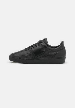 GO THROUGH - Sneakers laag - schwarz