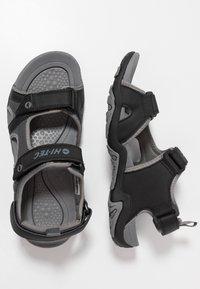 Hi-Tec - CRATER - Chodecké sandály - charcoal/cool grey - 1
