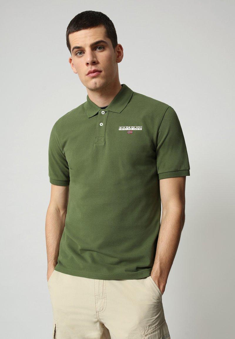 Napapijri - E-ICE - Polo shirt - green cypress