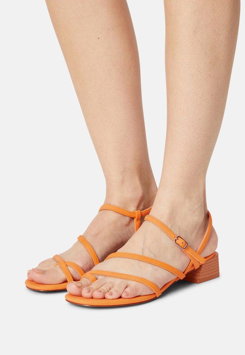 Call it Spring - CARMIN - T-bar sandals - orange