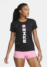 Nike Performance - Print T-shirt - black/black/white - 0