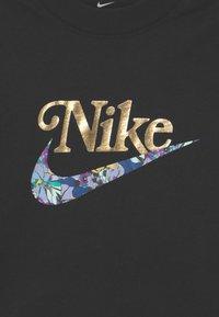 Nike Sportswear - TEE BOXY ENERGY - T-shirt z nadrukiem - black - 2