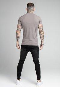SIKSILK - FINE GYM TEE - Basic T-shirt - grey - 2