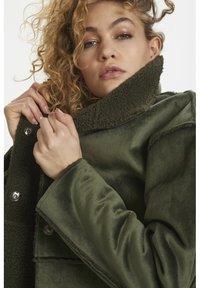 Denim Hunter - DHBELLE SHEARLING COAT - Płaszcz wełniany /Płaszcz klasyczny - forest night - 6