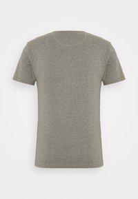 Superdry - LAUNDRY TEE TRIPLE 3 PACK - T-shirt basic - black/optic/laundry grey marl - 7