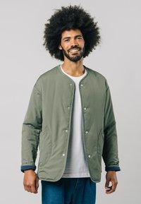 Brava Fabrics - KAKHI - Bomber Jacket - green - 0