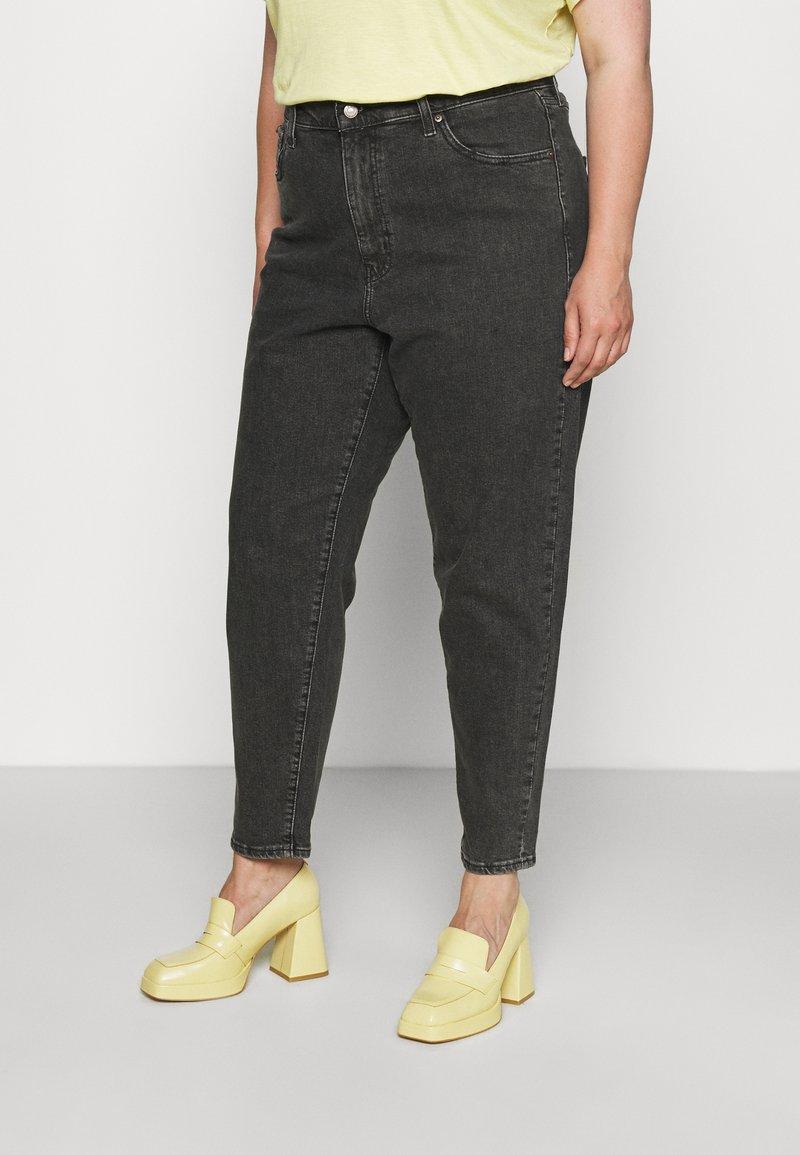 Levi's® Plus - PL HIGH WAISTED MOM JEAN - Straight leg -farkut - bomb dot com plus