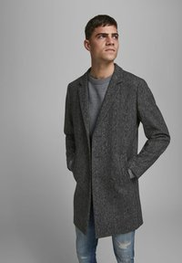 Jack & Jones - JJEMOULDER  - Short coat - caviar - 3