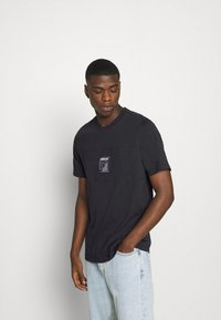 adidas Originals - ICON TEE - Print T-shirt - black - 0