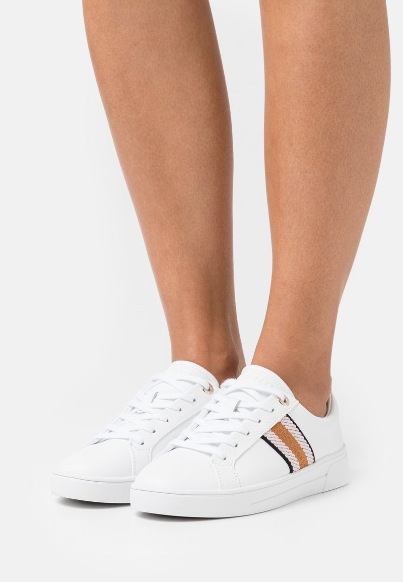 Ted Baker - BAILY - Trainers - white/navy