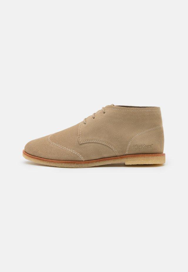 KICKA - Volnočasové šněrovací boty - beige
