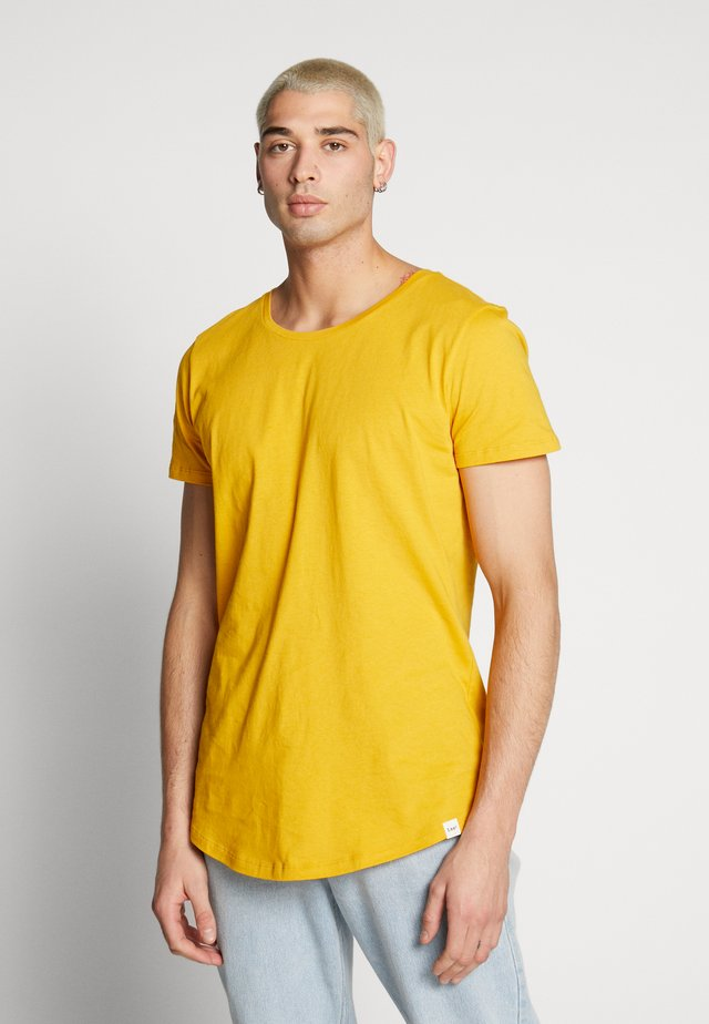 SHAPED TEE - T-shirts - golden yellow