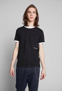 Calvin Klein Jeans - CONTRASTED RINGER TEE - Basic T-shirt - black/white - 0