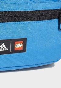 adidas Performance - ADIDAS PERFORMANCE ADIDAS X LEGO - Sac banane - blue - 3