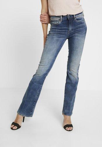 3301 HIGH FLARE - Flared Jeans - medium aged