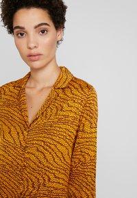 Levete Room - GHITA  - Košilové šaty - sudan brown - 3
