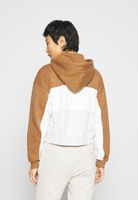 Abercrombie & Fitch - HOODIE - Sweatshirt - tan - 2