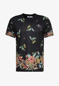 Topman - JAPANESE FLORAL TEE - Print T-shirt - black - 4