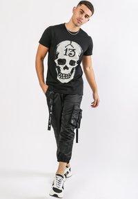Ed Hardy - SKULL-13 T-SHIRT - T-shirt con stampa - black - 0