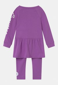 Converse - SCRIPT LOGO SET - Leggings - bright violet - 1