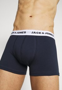 Jack & Jones - JACWHIT TRUNKS 5 PACK - Panty - black/navy blazer/firey red - 5