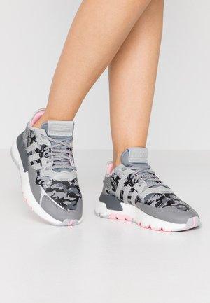 NITE JOGGER  - Sneakers - true pink/grey two/grey five