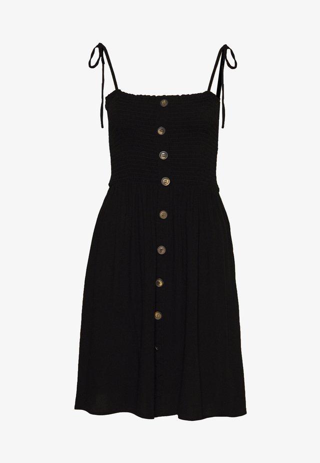 ONLANNIKA SMOCK DRESS - Vardagsklänning - black