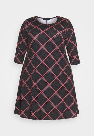 SLEEVE SWING DRESS - Day dress - pink