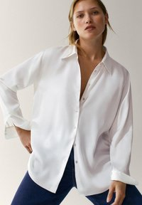 Massimo Dutti - IN SATINOPTIK - Button-down blouse - white - 2