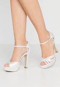 Menbur - Sandály na vysokém podpatku - ivory - 0