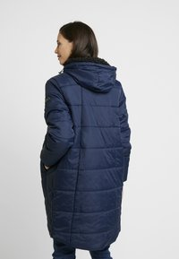 Modern Eternity - HARPER THIGH COCOON PUFFER COAT - Winter coat - navy - 2