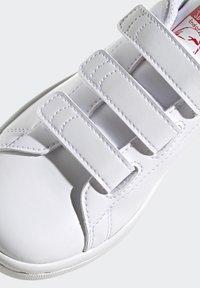 adidas Originals - STAN SMITH CF C PRIMEGREEN ORIGINALS SNEAKERS SHOES - Sneakers laag - white/vivid red - 9