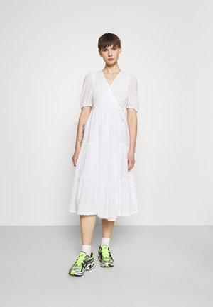 YOSSE DRESS - Day dress - white light