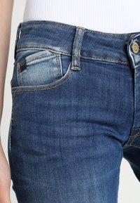 Le Temps Des Cerises - PULP - Slim fit jeans - blue - 5