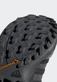 adidas Performance - TERREX SWIFT R2 GTX SHOES - Hikingschuh - grey/black - 8