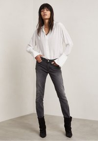 Hunkydory - FORD - Button-down blouse - off-white aop - 4