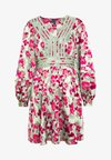 VMJULIANNA SHORT DRESS - Denní šaty - laurel green/julianna