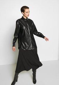 N°21 - Button-down blouse - black - 3