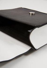 Pieces - PCMONANA CROSS BODY - Across body bag - black/silver - 4