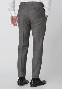 Van Gils - SPLIT BUCK SPLIT - Suit trousers - grey - 2