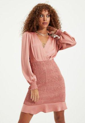 PARENT - Shift dress - pink