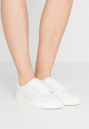 JOSLIN - Zapatillas - white