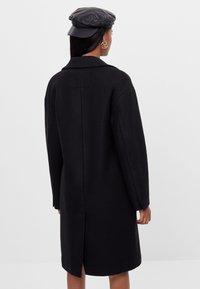 Bershka - Zimní kabát - black - 2