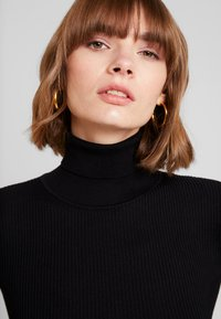 Missguided - ROLL NECK  - Strickpullover - black - 5