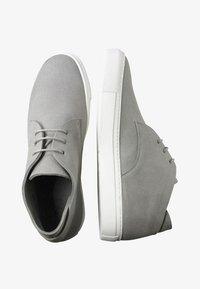 EKN Footwear - SCHNÜRSCHUH MAPLE MID GREY VEGAN - Casual lace-ups - grey - 1
