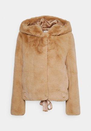 MIRAGE - Zimní bunda - camel
